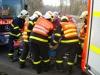 automobil-se-zritil-ze-srazu-temer-do-vody-hasici-vyprostovali-ridice-i-vozidlo-4-4